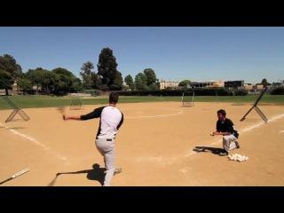 Бейсбол с самим собой тремя мячами